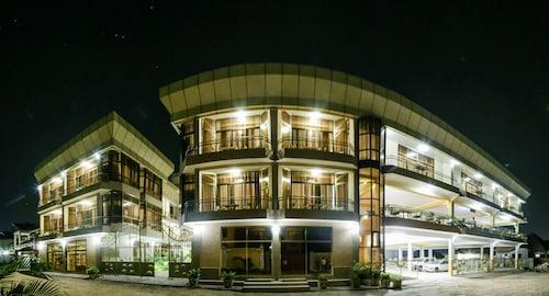 Tiger's Apartment Hotel, Musaga