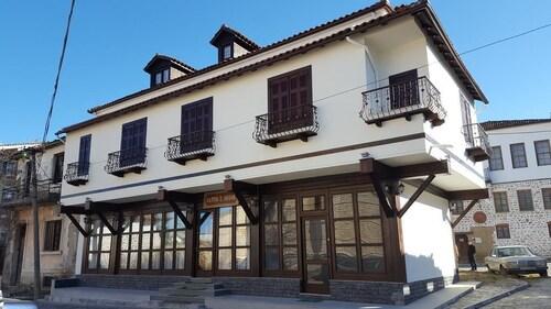 Hotel Bujtina e Bardhe, Korçës
