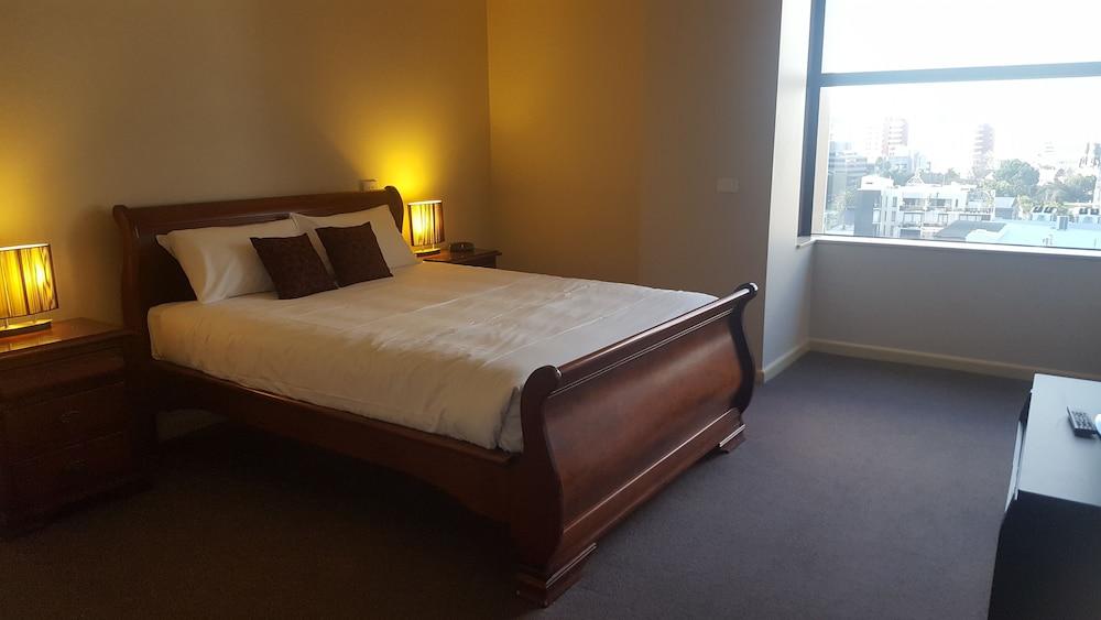 スリー ベッドルーム ペントハウス アット パラマウント