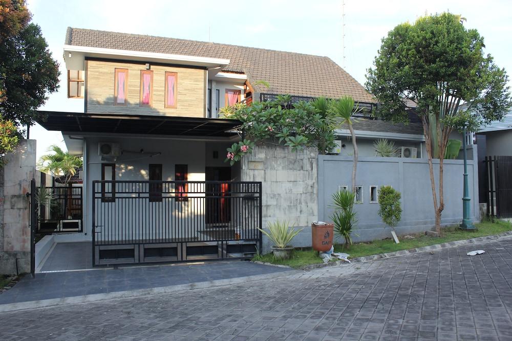 Pecatu Vira House