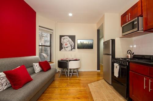 . East Village 2 Bedroom Apartments