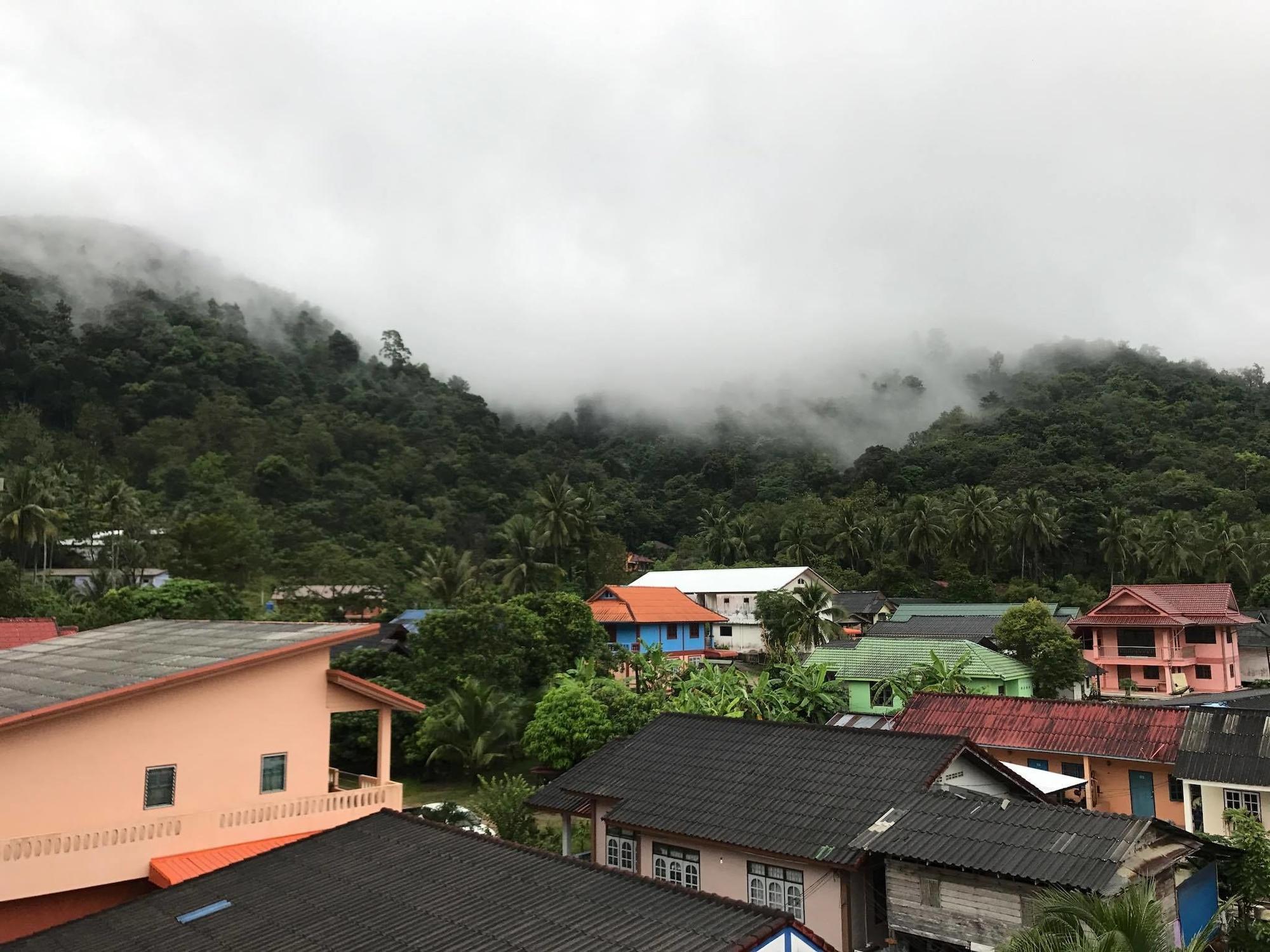 Aonang Sea Valley Resort, Muang Krabi