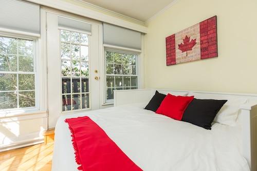 . Applewood Suites - 2 BDRM Annex Loft
