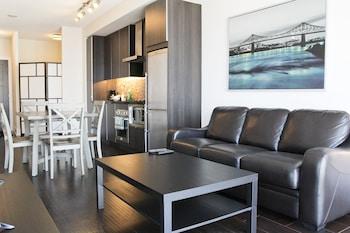 Romantic Condo, 1 Bedroom, City View, Corner