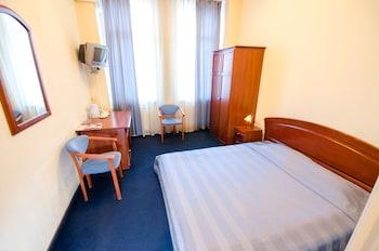 Отель 7 дней, Киев