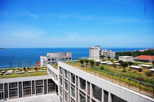 . Weihai Golden Bay Resort Hotel