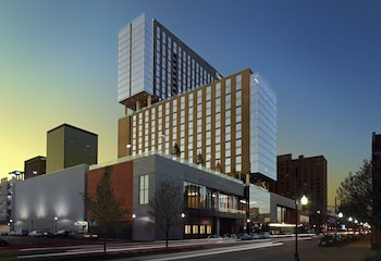 Hotel - Omni Louisville Hotel