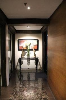 ROSVENIL HOTEL Hallway