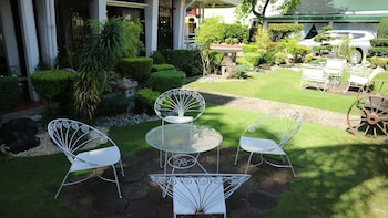 ROSVENIL HOTEL Terrace/Patio
