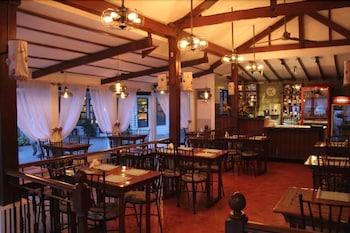 ROSVENIL HOTEL Restaurant