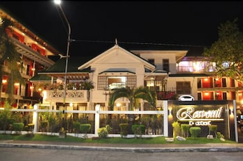 ROSVENIL HOTEL Front of Property - Evening/Night