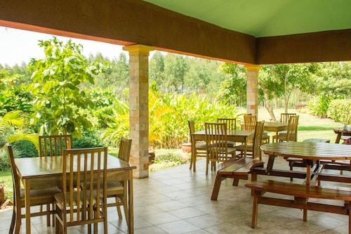 . Kabalega Resort