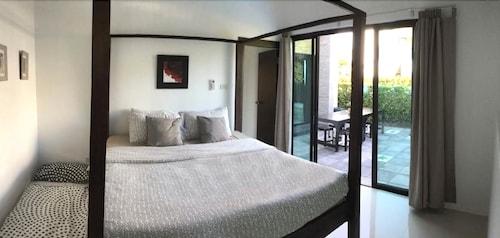 Relax Pool Villa, Pran Buri
