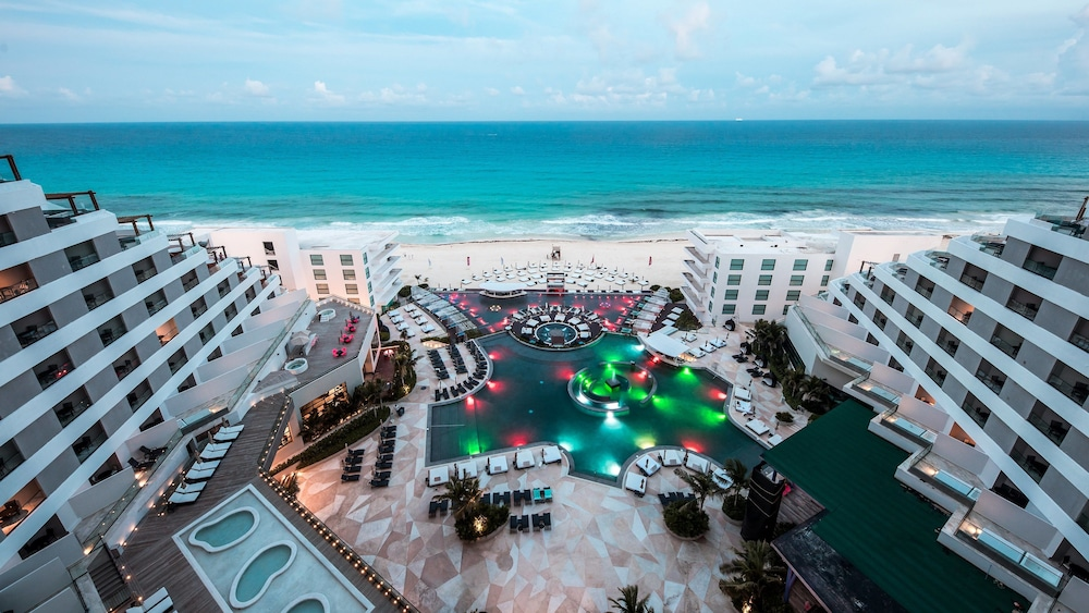 Melody Maker Cancun - All Inclusive, Featured Image