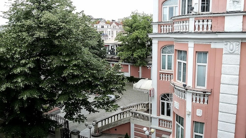 Cozy Apartment in the Heart of the Sea Capital, Varna