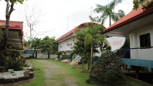 Nipa Hut Resort, San Leonardo