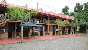 NIPA HUT RESORT