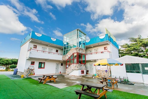 Anmyeondo Sunflower Pension, Taean
