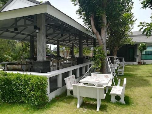 Lake Hill Resort, K. Sam Roi Yot