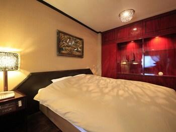 Japanese/Western Style Twin Bedroom, Smoking