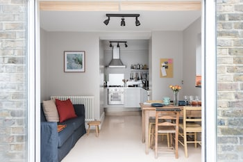 Fabulous 2BR Flat near Notting Hill