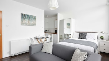 Beautiful and Bright Studio in Zone 1 by Tube station