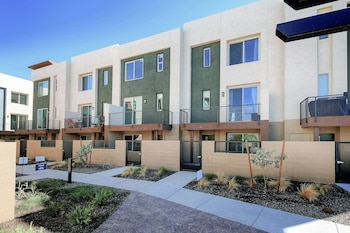 820 N 8th Ave Townhouse Unit 17
