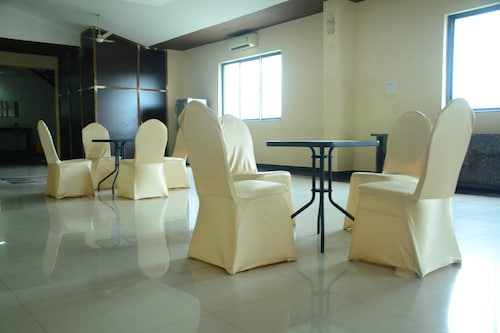 Hotel Orient Palace, Nagpur