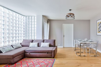 Buttes Chaumont- Appartement Familial
