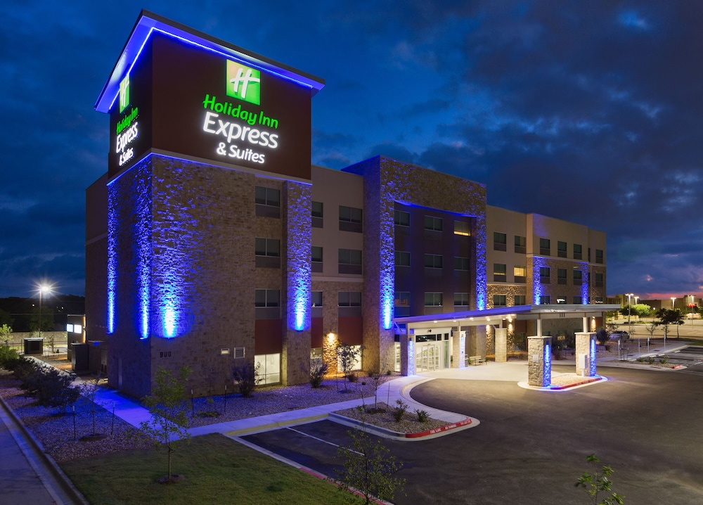 Holiday Inn Express and Suites San Marcos South