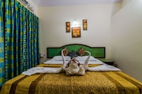 Deluxe Double Room, 1 King Bed, Pool Access