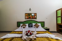 Deluxe Double Room, 1 Double Bed, Pool View, Poolside