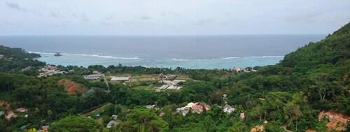 Royale Panorama View Apartment,