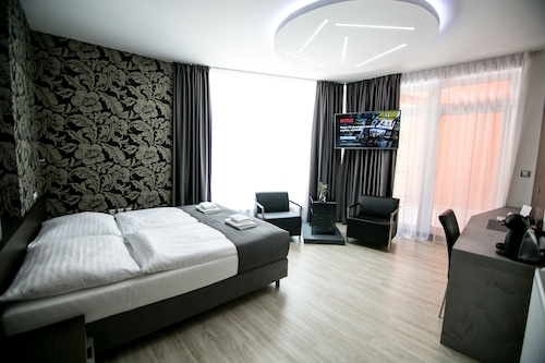 . Hotel U Kostela