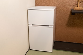 TSUMUGI SHINSENEN MINAMI Mini-Refrigerator