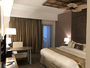 FERRA HOTEL AND GARDEN SUITES Room