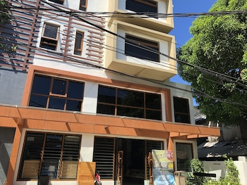 FERRA HOTEL AND GARDEN SUITES Exterior
