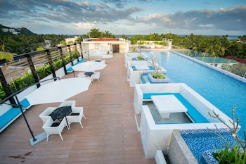 FERRA HOTEL AND GARDEN SUITES Rooftop Pool