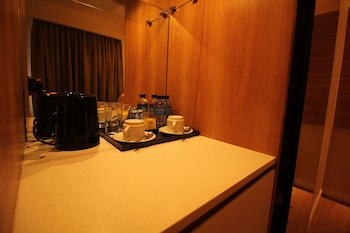 FERRA HOTEL AND GARDEN SUITES Coffee and/or Coffee Maker