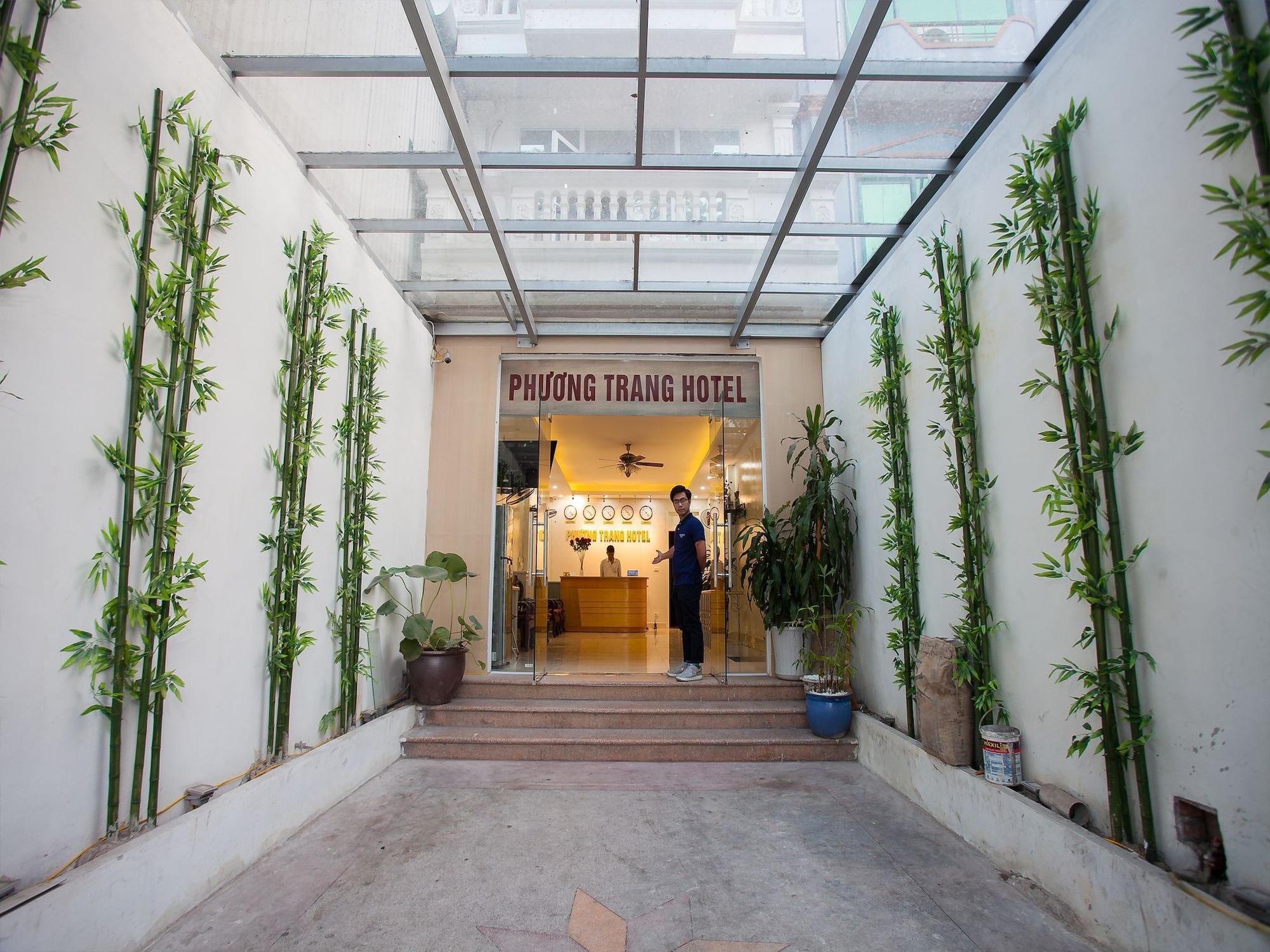 Phuong Trang Hotel Hanoi, Long Biên