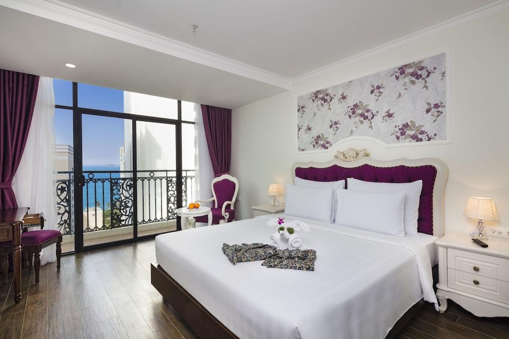 ボンジュール ナハ トラン ホテル