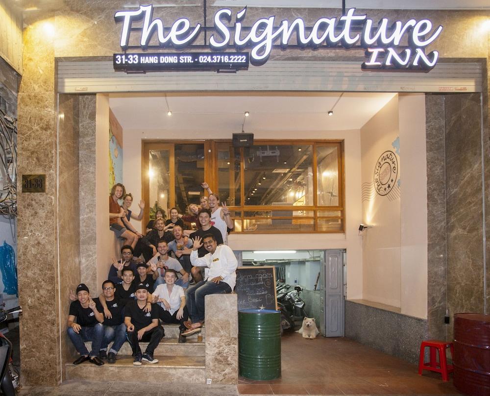 The Signature Inn - Hostel