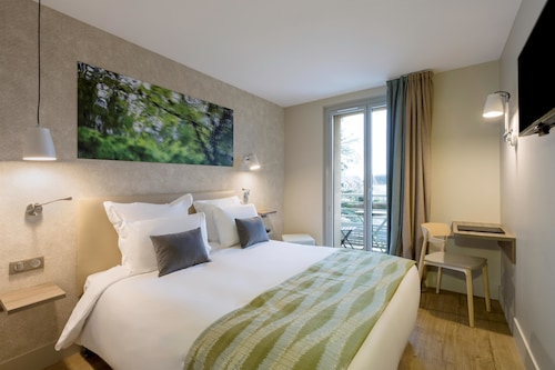 __{offers.Best_flights}__ Best Western La Porte des Châteaux