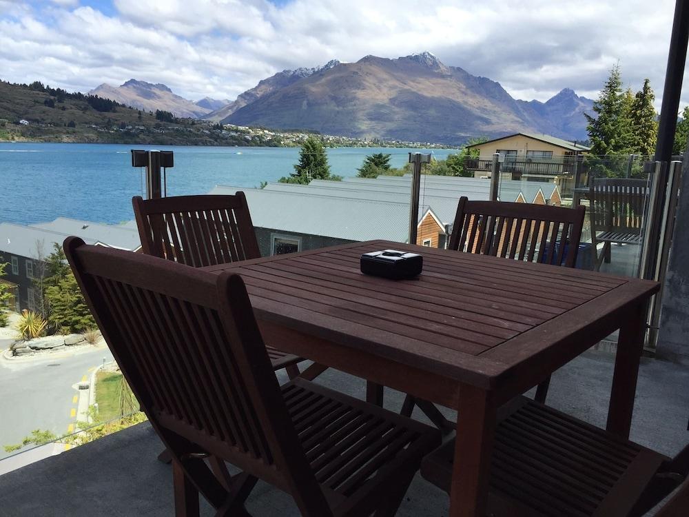 Lakefront Villa Queenstown