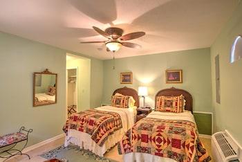 Room, Private Bathroom (Garden Room)
