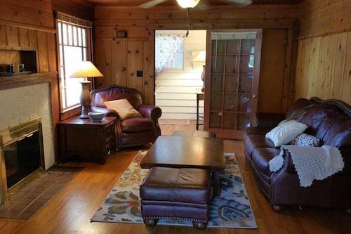 Historic Smarthouse Charming Comfy King, Klamath