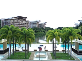 CONDO UNITS PICO DE LORO HAMILO COAST Front of Property