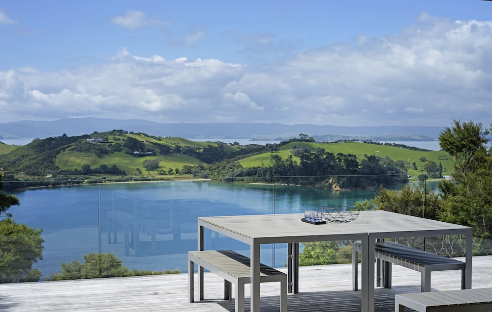 Stunning Views on Waiheke Island