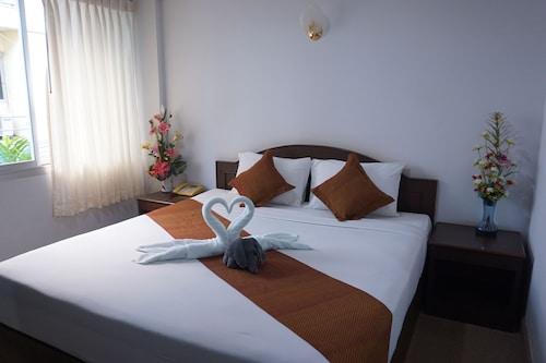 __{offers.Best_flights}__ A.P. Court Hotel