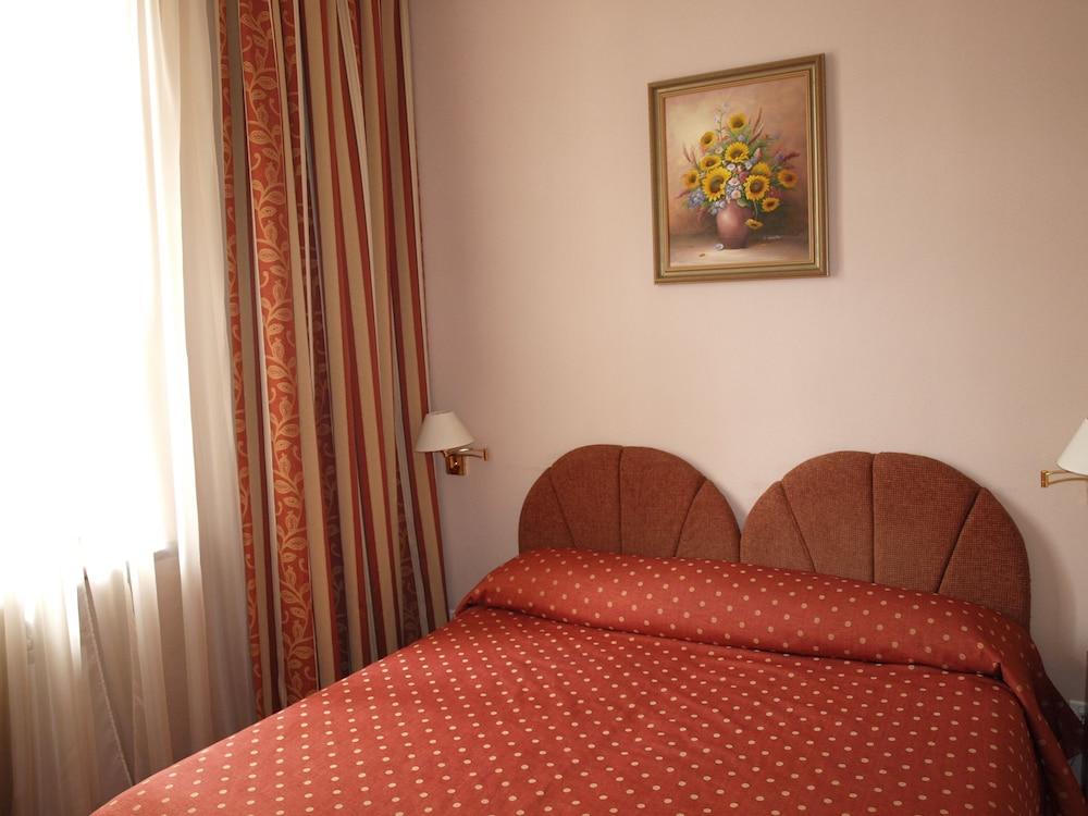Отель «Домус-1»